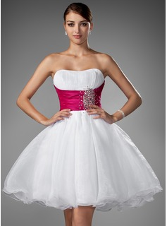 A-Line/Princess Sweetheart Short/Mini Organza Wedding Dress With Ruffle Sash Beading