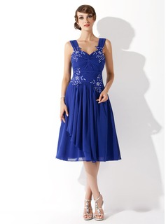 A-Line/Princess Sweetheart Knee-Length Chiffon Homecoming Dress With Ruffle Beading Appliques Lace