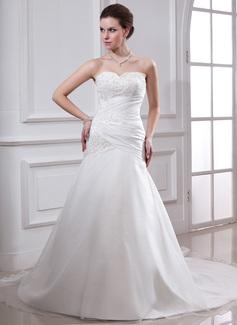 A-linjeformat Hjärtformad Chapel släp Taft Bröllopsklänning med Rufsar Spetsar Pärlbrodering