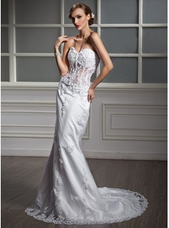 Trumpet/Mermaid Sweetheart Chapel Train Satin Wedding Dress With Lace Beading