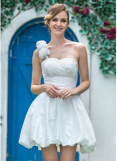 Corte A/Princesa Un sólo hombro Corto/Mini Tafetán Vestido de novia con Volantes Flores
