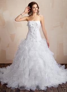 Corte de baile Escote corazón La capilla de tren Organdí Satén Vestido de novia con Encaje Bordado Flores Cascada de volantes