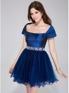 A-Line/Princess Off-the-Shoulder Short/Mini Taffeta Tulle Holiday Dress With Beading