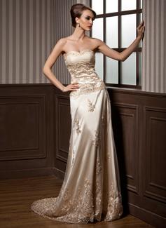 A-linjeformat Hjärtformad Court släp Charmeuse Tyll Bröllopsklänning med Rufsar Spetsar