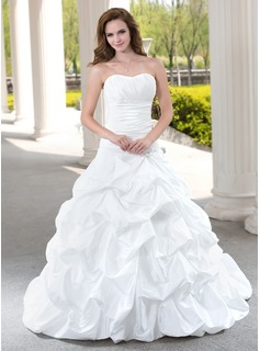 Ball-Gown Sweetheart Chapel Train Taffeta Wedding Dress With Ruffle Beading Appliques Lace