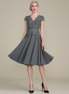 A-Line/Princess V-neck Knee-Length Cocktail Dress With Beading