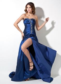 Forme Princesse Bustier en coeur Traîne moyenne Taffeta Robe bal d'étudiant avec Plissé Emperler Fendue devant